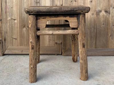 明代風化小方凳