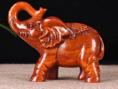 木雕的工藝目前主要有機雕與手雕
