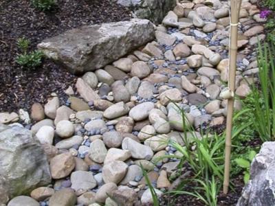 別墅庭院鵝卵石園路的鋪裝方法
